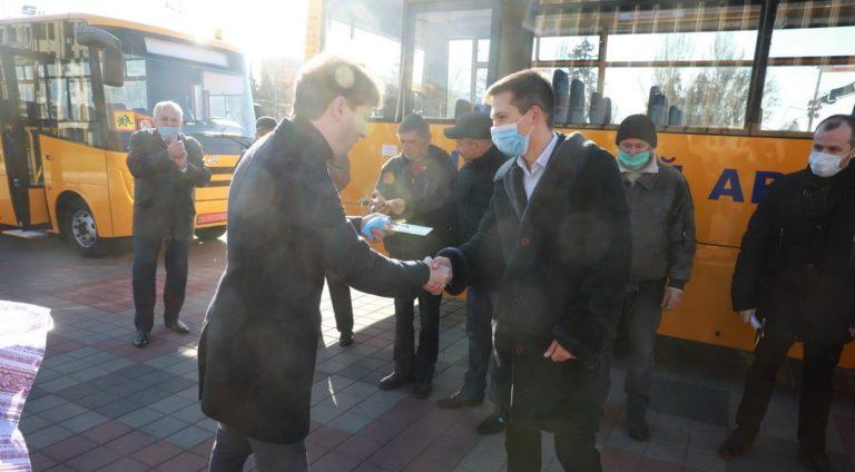 Передача Запорізькій ОДА п'ятої партії шкільних автобусів ЗАЗ А08